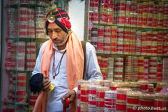The bracelet merchant