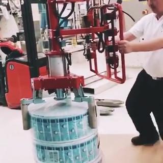 Armtec industrial manipulator with pneum