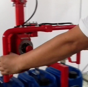 Armtec RA200 pnumatic manipulator to han