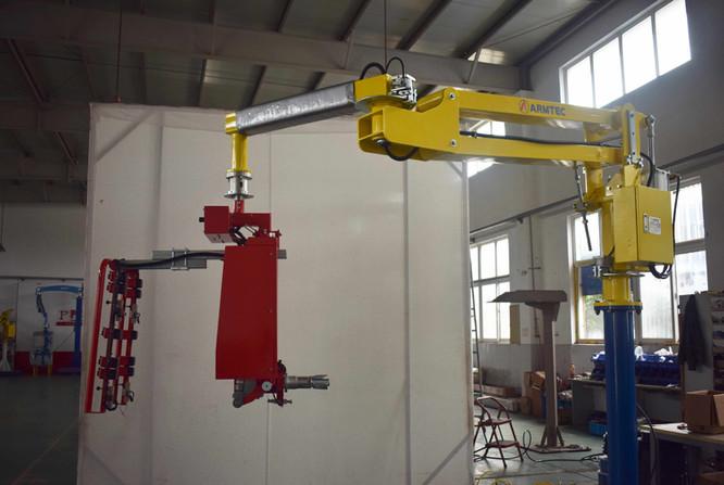 Amcor roll handler 17129801 sm.jpg