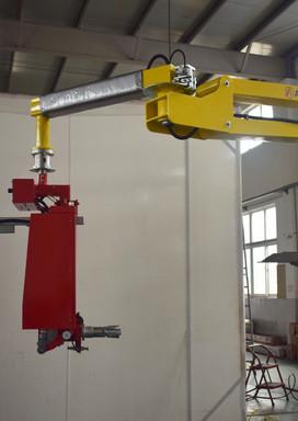 Amcor roll handler 17129801-1.jpg