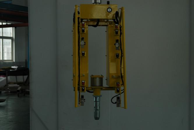 15109002-2.JPG
