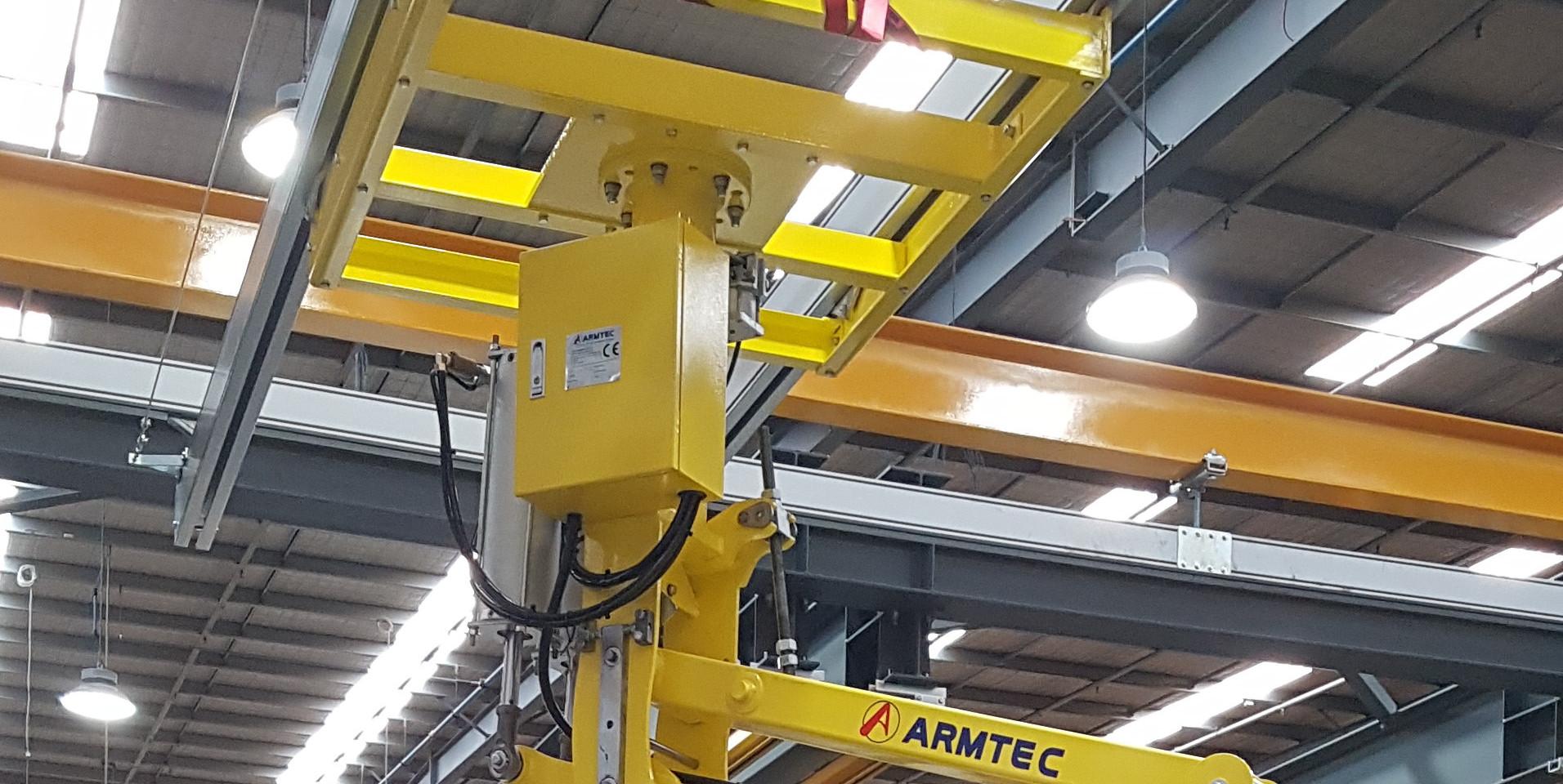 Armtec RA200 on Armtec X-Y rail.jpg