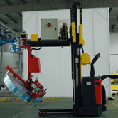 Armtec roll grip tooling on pallet truck