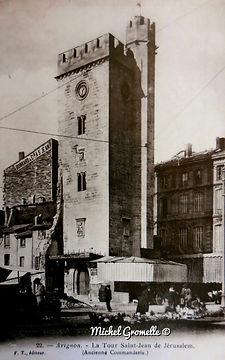 Place Pie Tour Saint Jean Avignon. Cartes postales anciennes. Michel Gromelle. Avignon la cité mariale.