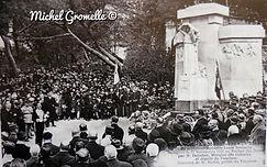 Monument aux Morts Rocher des Doms Avignon. Cartes postales anciennes. Michel Gromelle. Avignon la cité mariale.