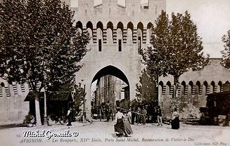Remparts Porte Saint Michel Avignon. Cartes postales anciennes. Michel Gromelle. Avignon la cité mariale.
