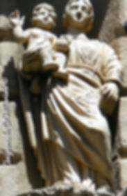 Avignon, histoire, patrimoine, statue, vierge, médiévale, chapelle, église, cité mariale, rempart, palais des papes, Place Pignotte