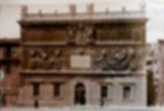 Hôtel de la Monnaie Place du Palais Avignon. Cartes postales anciennes. Michel Gromelle. Avignon la cité mariale.