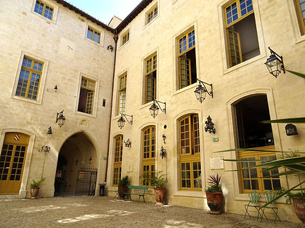 02-Roure Cour.jpg