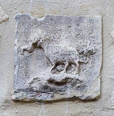 Tarasque bas reliefTeinturiers 20.jpg