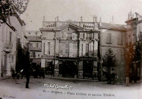 Place Crillon Avignon. Cartes postales anciennes. Michel Gromelle. Avignon la cité mariale.