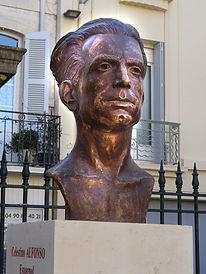 Buste Manouchian Square Perdiguier.jpg