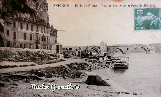 Pont d'Avignon Bords du Rhône Avignon. Cartes postales anciennes. Michel Gromelle. Avignon la cité mariale.