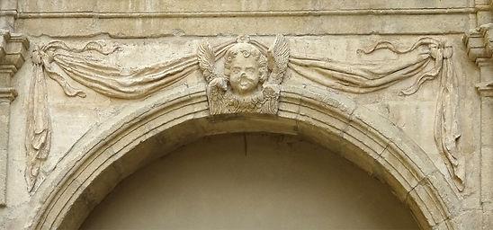 Ange porte deco Palais 1.jpg