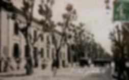 Hôtel des Postes Rue de la République Avignon. Cartes postales anciennes. Michel Gromelle. Avignon la cité mariale.