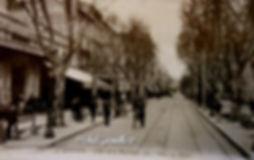 Rue de la République Avignon.  Avignon. Cartes postales anciennes. Michel Gromelle. Avignon la cité mariale.