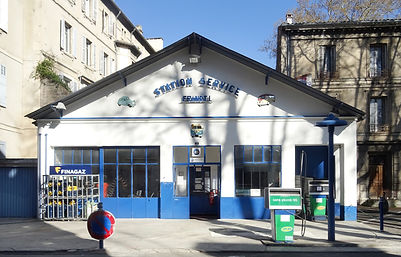 Puy station essence.jpg