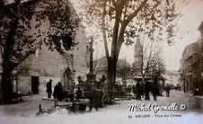 Place des Carmes Avignon. Cartes postales anciennes. Michel Gromelle. Avignon la cité mariale.