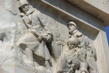 Monument aux Morts Doms2.jpg