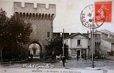 Remparts Porte dSaint Lazare  Avignon. Cartes postales anciennes. Michel Gromelle. Avignon la cité mariale.