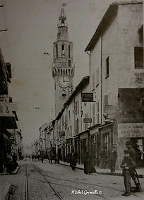Clocher des Augustins rue de la Carreterie Avignon . Cartes postales anciennes. Michel Gromelle. Avignon la cité mariale.