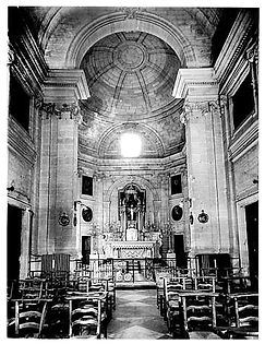 Chapelle Int.jpg