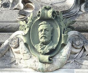 Monument_Médaillon_Constant.jpg