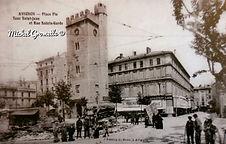 Place Pie  Avignon. Cartes postales anciennes. Michel Gromelle. Avignon la cité mariale