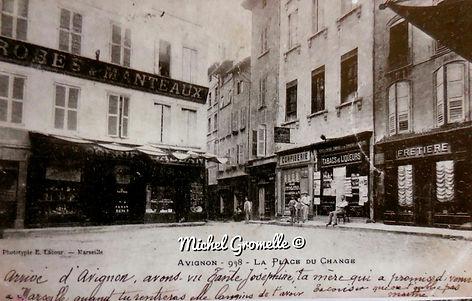 Place du Change Avignon. Cartes postales anciennes. Michel Gromelle. Avignon la cité mariale.