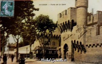 Remparts Porte de la République Avignon. Cartes postales anciennes. Michel Gromelle. Avignon la cité mariale.