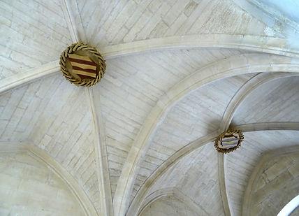 180724-Roure_Clés_de_voûte_entrée.jpg