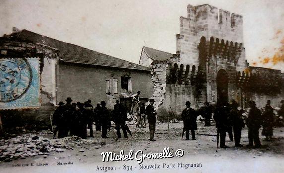 Remparts Porte Magnanen  Avignon. Cartes postales anciennes. Michel Gromelle. Avignon la cité mariale.