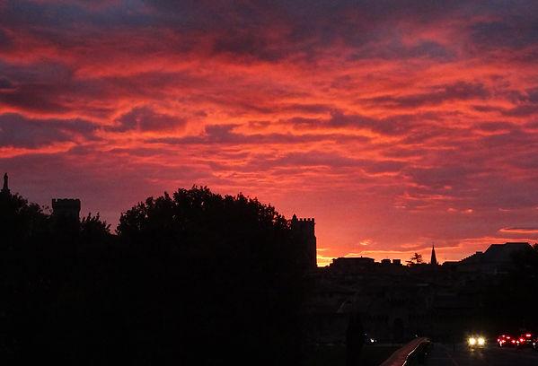 Avignon en rouge s.jpg