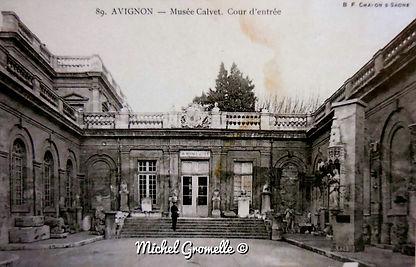 Musée Calvet Rue Joseph Vernet Avignon. Cartes postales anciennes. Michel Gromelle. Avignon la cité mariale.