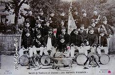 Tambours et clairons. Les Enfants d' Avignon Avignon. Cartes postales anciennes. Michel Gromelle. Avignon la cité mariale.
