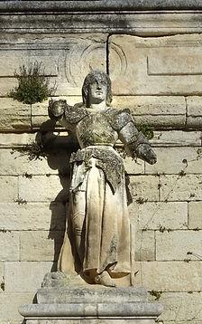 Statue Jeanne d'Arc Doms.jpg