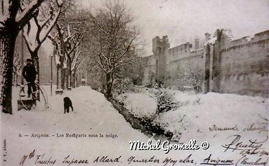 Remparts Avignon. Cartes postales anciennes. Michel Gromelle. Avignon la cité mariale.