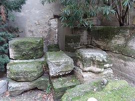 Vestiges rue des grottes 3.jpg