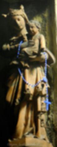 Avignon, histoire, patrimoine, statue, vierge, médiévale, chapelle, église, cité mariale, rempart, palais des papes, Rue des Trois Faucons