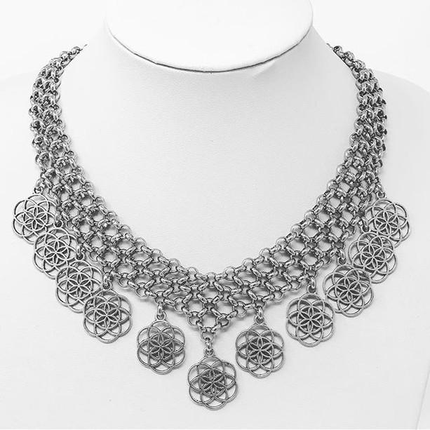 Aravis necklace