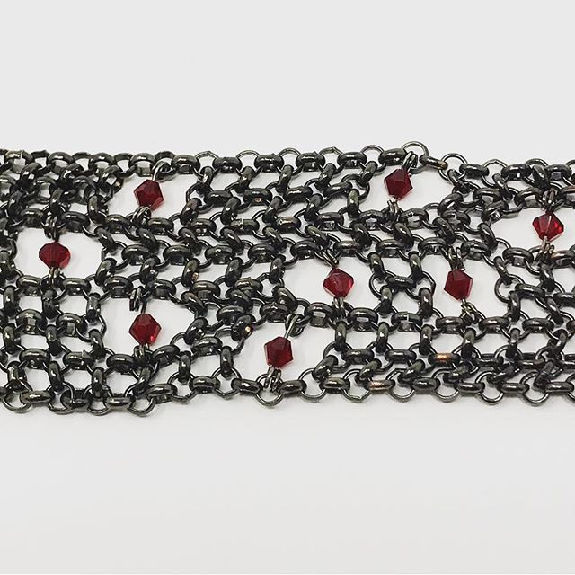 Assymetrical chainmail lace bracelet
