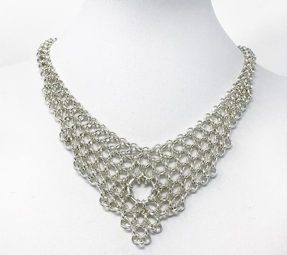 Silver-plated chainmail necklace made of half-round links