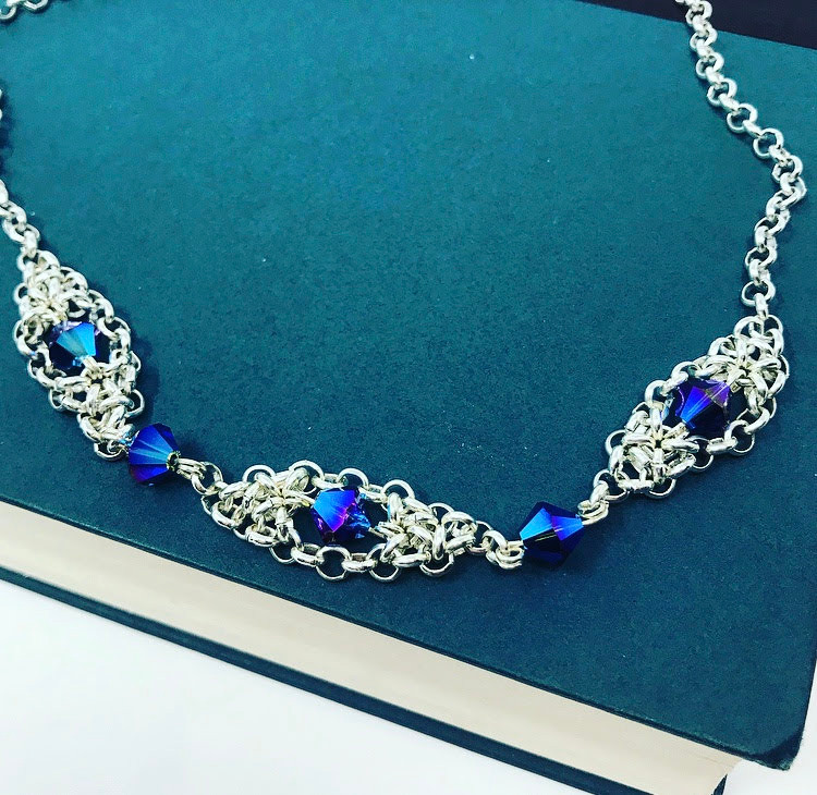 Blue Swarovski in stainless steel Baroque-inspired chainmail