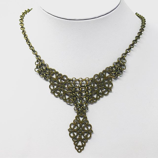 Steampunk Victorian chainmail necklace.jpg