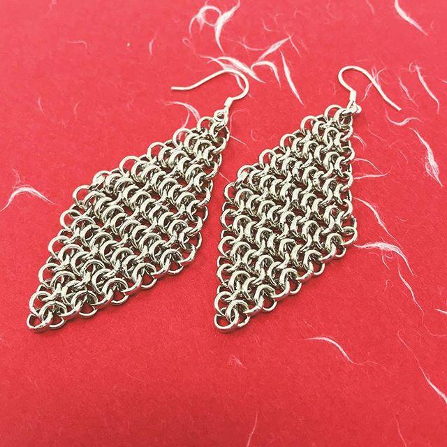 Diamond chainmail earrings