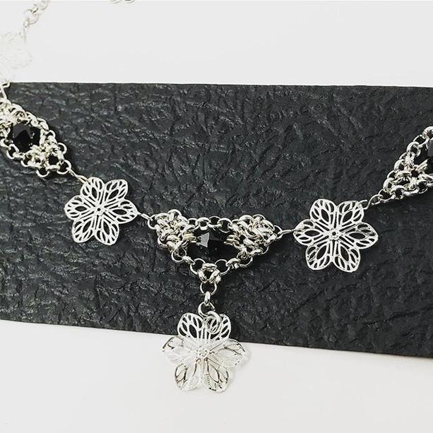 Detail of Undomiel necklace