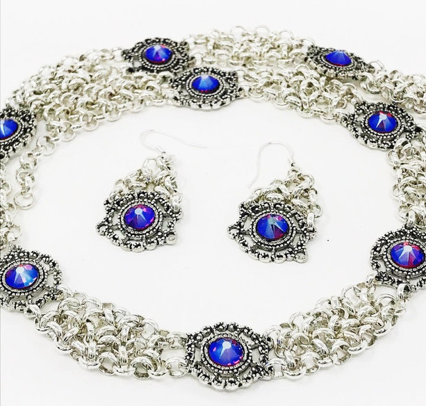 Victoria necklace and earrings