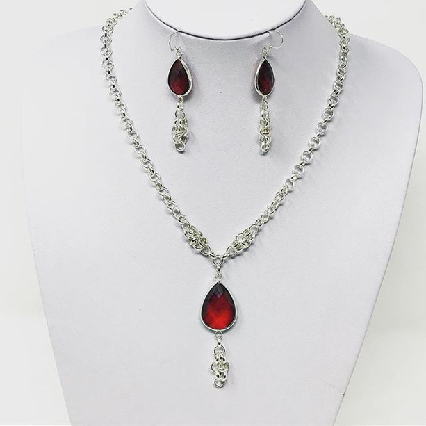 Necklace and earring set for Dianora di Tigana