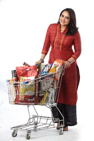 Lena shopping at Elite Supemarket